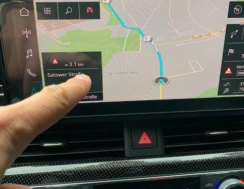Achtung: Touchscreennutzung kann unter § 23 StVO fallen
